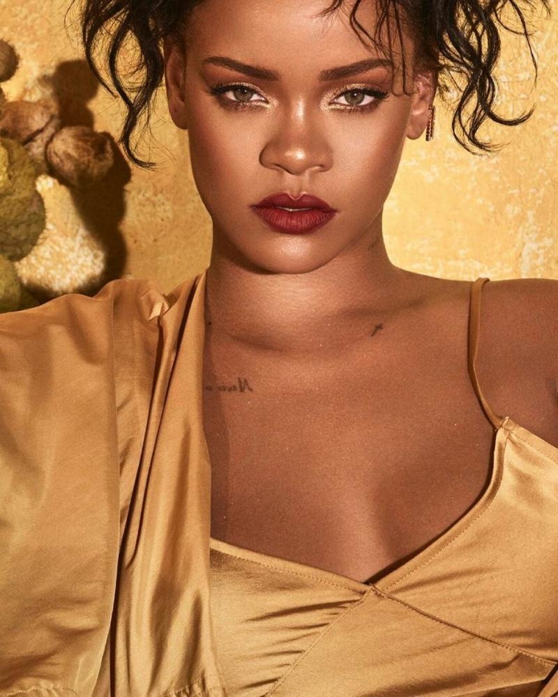 H Rihanna στην νέα της καμπάνια για τα Fenty είναι εκ-θαμ-βω-τι-κή! | tlife.gr