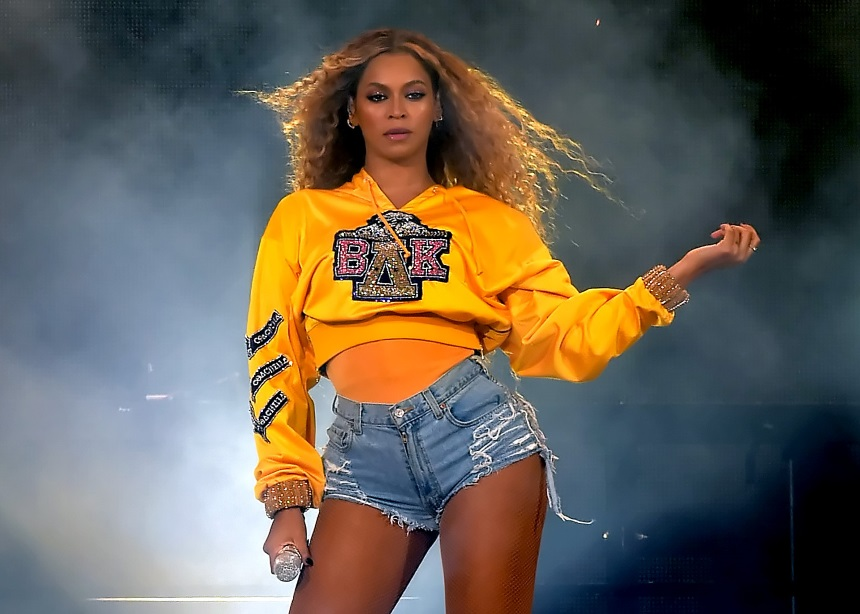 Η Beyonce δημιούργησε μια capsule collection με τον Balmain… και όλα αυτά για καλό σκοπό