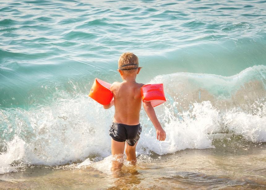 Καλοκαιρινή διασκέδαση: Τρία επικίνδυνα για τα παιδιά καλοκαιρινά παιχνίδια | tlife.gr