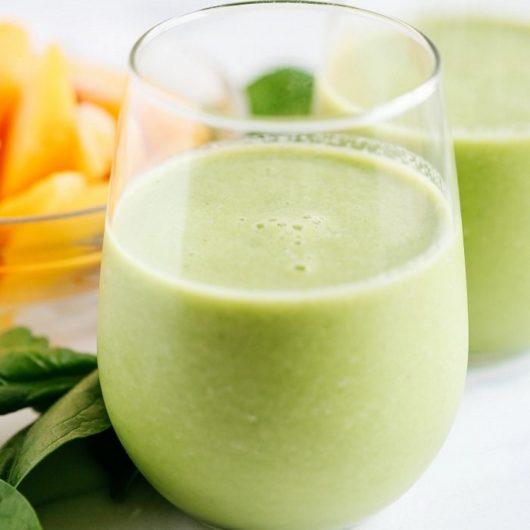 Detox smoothie με σπανάκι και ροδάκινα | tlife.gr