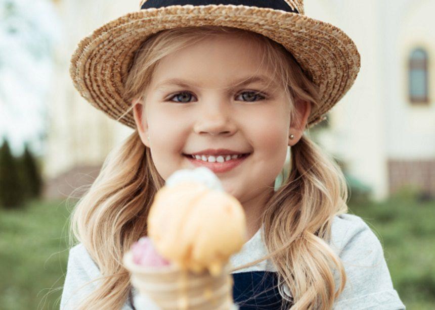 Kids scream for ice cream: Φτιάξτε φρέσκο παγωτό σε μια σακούλα! | tlife.gr