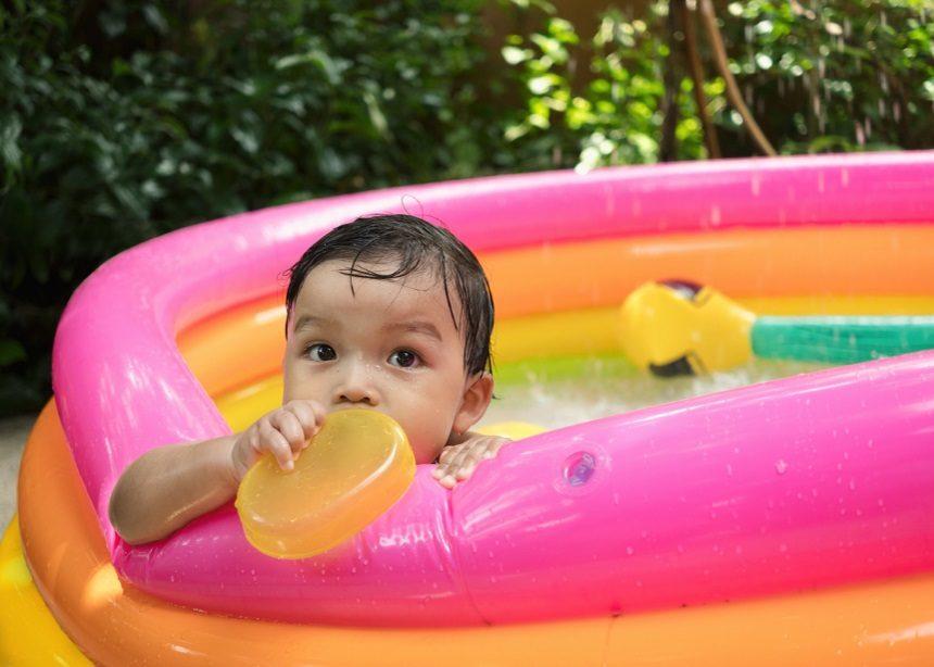 Φουσκωτές πισίνες: Έξι κίνδυνοι που ελλοχεύουν στην πισίνα των παιδιών | tlife.gr
