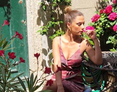Βάσω Λασκαράκη: Κάνει διακοπές με τον αγαπημένο της στην Κρήτη και μας δείχνει τις δημιουργίες του! [pics]