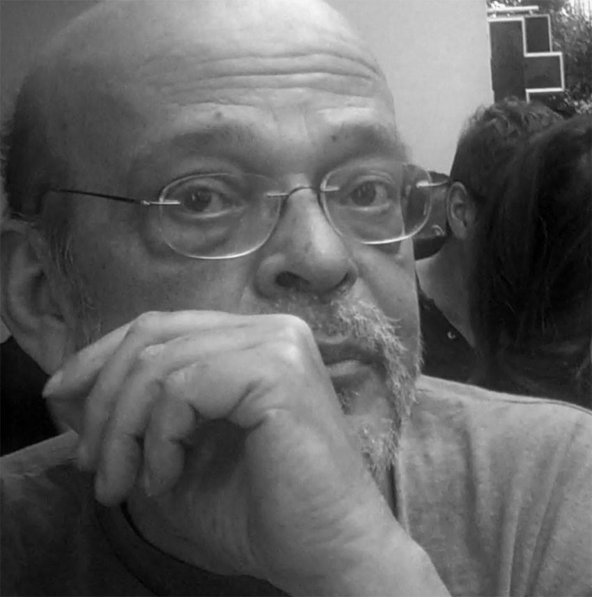 Μάνος Αντώναρος: Το συγκλονιστικό κείμενό του για τον θάνατο | tlife.gr