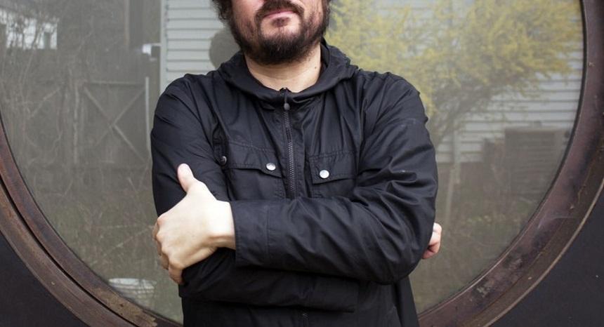 Πέθανε διάσημος τραγουδιστής και μουσικός στα 41 του χρόνια | tlife.gr