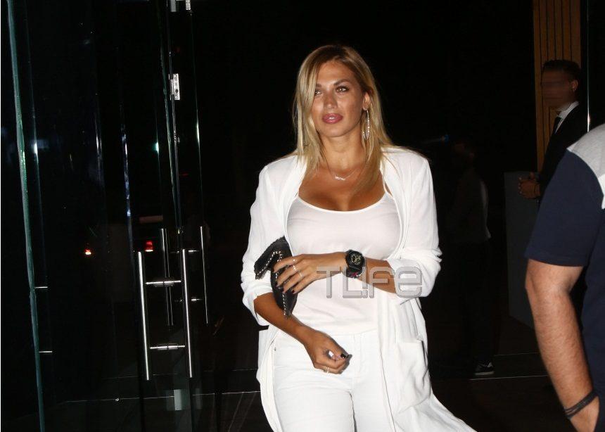Κωνσταντίνα Σπυροπούλου: Επιστροφή στην Αθήνα και διασκέδαση μέχρι το πρωί! [pics] | tlife.gr