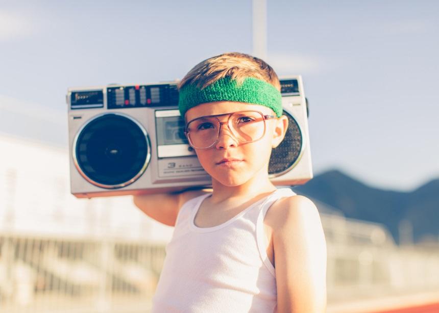Summer nostalgia: Πέντε καλοκαιρινές συνήθειες που είχαν τα παιδιά στα 90s   tlife.gr