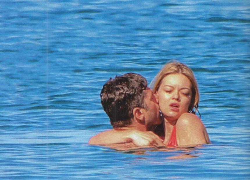 Χρήστος Βασιλόπουλος – Ιωάννα Παπαγιάννη: Καυτά φιλιά στην Τήνο! [pics]