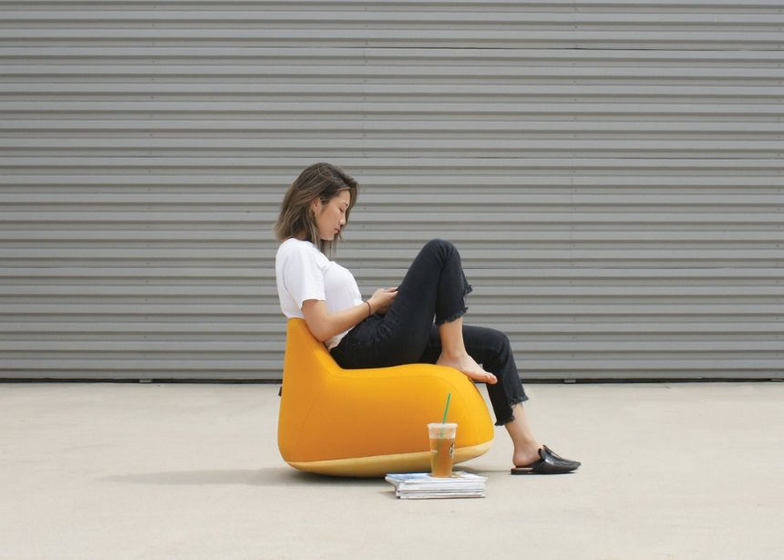Yolk: Μία κουνιστή πολυθρόνα που έχει σκοπό να σε ξεκουράσει! | tlife.gr