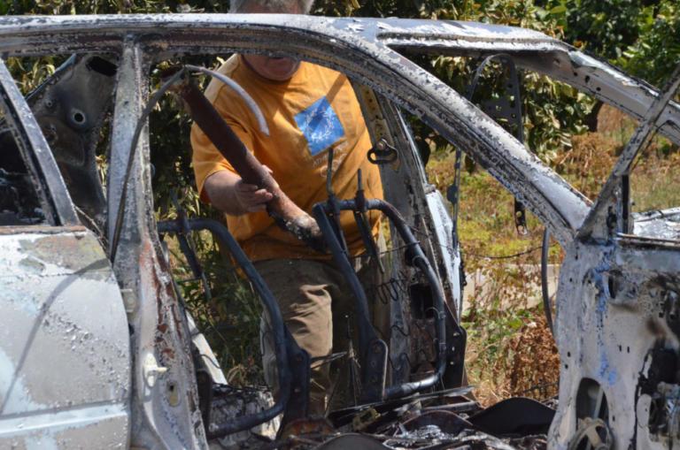 Θεσσαλονίκη: Σοκ – Απανθρακωμένο πτώμα μέσα σε αυτοκίνητο – Εντοπίστηκε σε πάρκινγκ πολυκατοικίας στη Θέρμη | tlife.gr