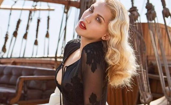 «Save… the Queen Ντίνα»! Η κίνηση του ΣΚΑΙ για να της δώσει το… φιλί της ζωής!   tlife.gr