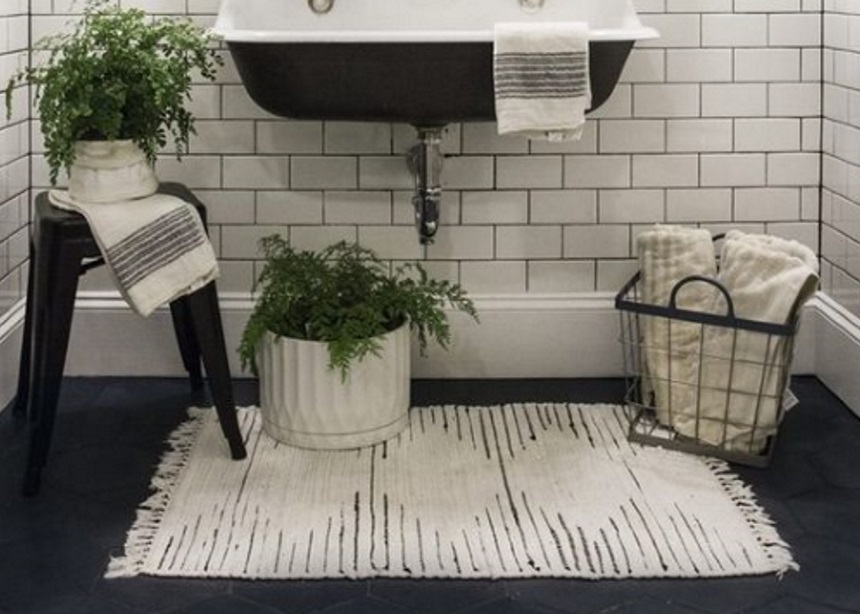 Ανανέωση μπάνιου: Τα πιο stylish χαλάκια για το μπάνιο σου και πού θα τα βρεις!