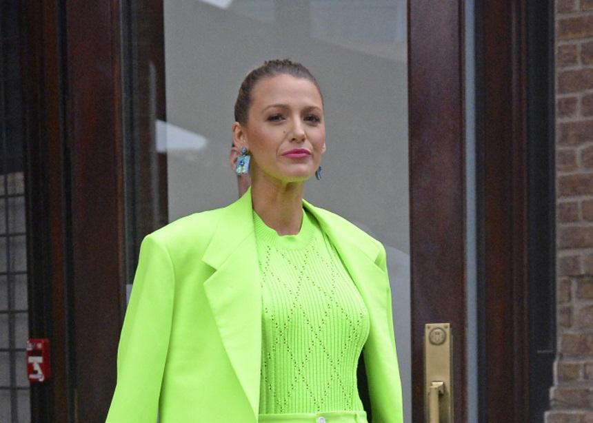 Αν αγαπάς τα neon χρώματα τότε πρέπει να δεις το stylish look της Blake Lively