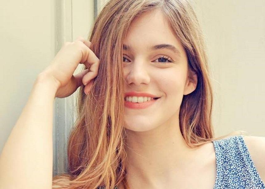 Νατάσα Εξηνταβελώνη: Είναι η νέα πρωταγωνίστρια των social media με τα ξεκαρδιστικά βίντεό της!   tlife.gr