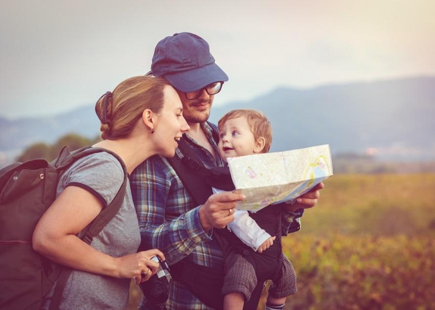 Βόλτες στη φύση: Πώς να απολαύσεις την πεζοπορία σου όταν το μικρό σου είναι… μικρό | tlife.gr
