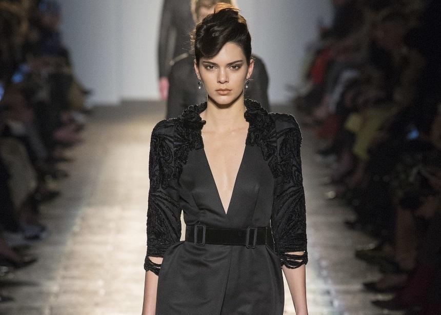 Kendall Jenner: Θα χρειαστεί να σταματήσει το modeling λόγω άγχους; | tlife.gr