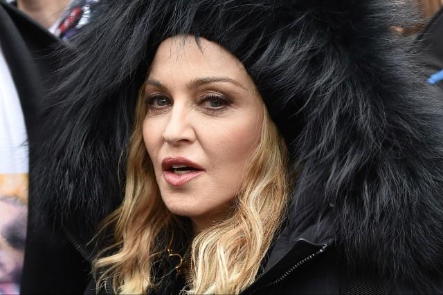 Madonna: Ποζάρει στο εξώφυλλο της ιταλικής Vogue και αποκαλύπτει ότι έρχεται το νέο της album [pics] | tlife.gr