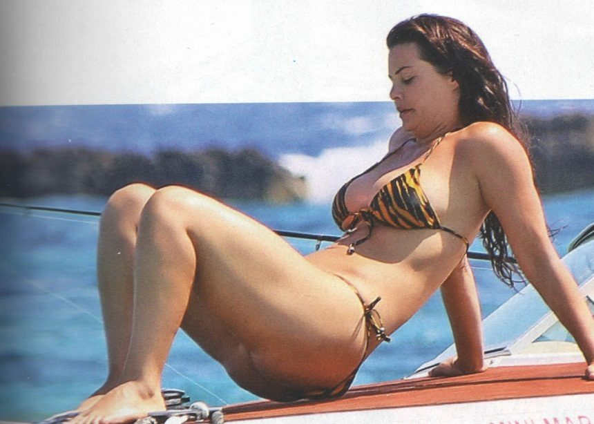 Μαρία Κορινθίου: Οι διακοπές στα Κουφονήσια και οι σέξι πόζες στο σκάφος! [pics] | tlife.gr