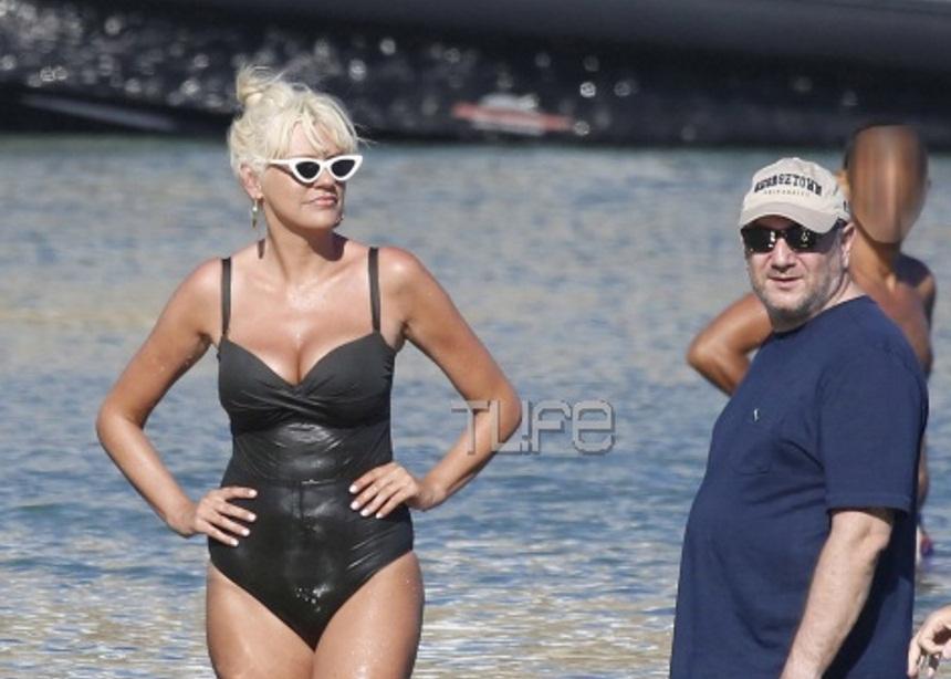 Σάσα Σταμάτη – Παύλος Βαρδινογιάννης: Ξέγνοιαστες στιγμές στην Μύκονο! [pics] | tlife.gr