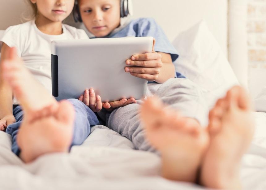 Παιδική παχυσαρκία: Και όμως, το tablet σου μπορεί να φταίει περισσότερο από όσο πιστεύεις! | tlife.gr