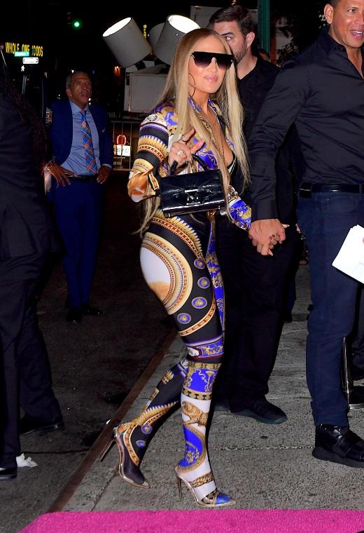 Η Jennifer Lopez με Versace