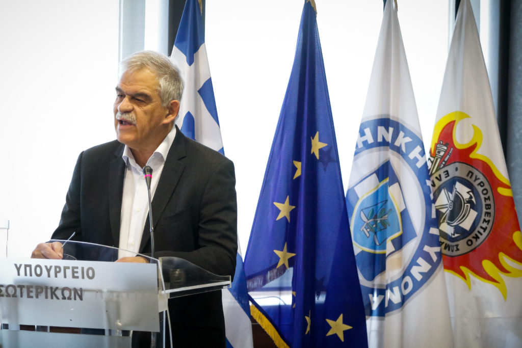 Φορτισμένο το κλίμα στο υπουργείο Προστασίας του Πολίτη! Τόσκας: «Δεν είμαι επαγγελματίας πολιτικός» | tlife.gr