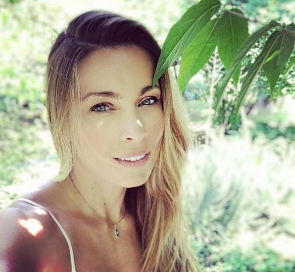 Μαριέττα Χρουσαλά: Όμορφες στιγμές στην Αντίπαρο! | tlife.gr