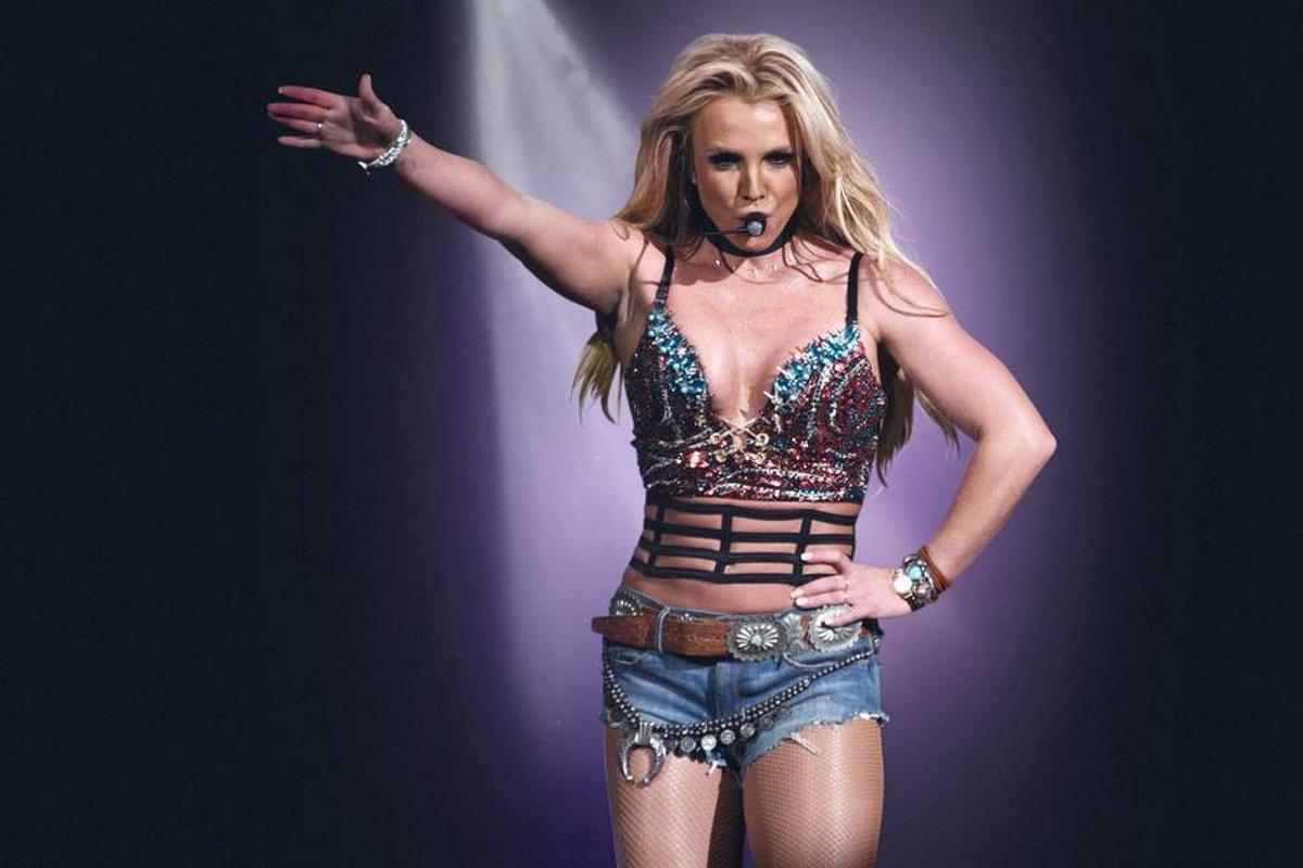 Η γκάφα της Britney Spears στην δήμαρχο του Παρισιού! | tlife.gr