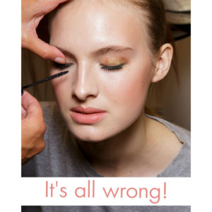 Σταμάτα να καταστρέφεις τη μάσκαρά σου με αυτό τον τρόπο!
