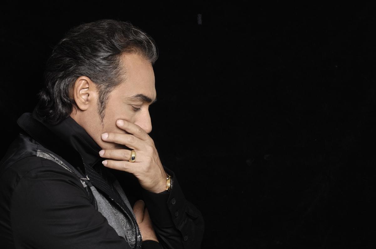 Δύσκολες ώρες για τον Νότη Σφακιανάκη! Η απώλεια που τον συγκλόνισε | tlife.gr