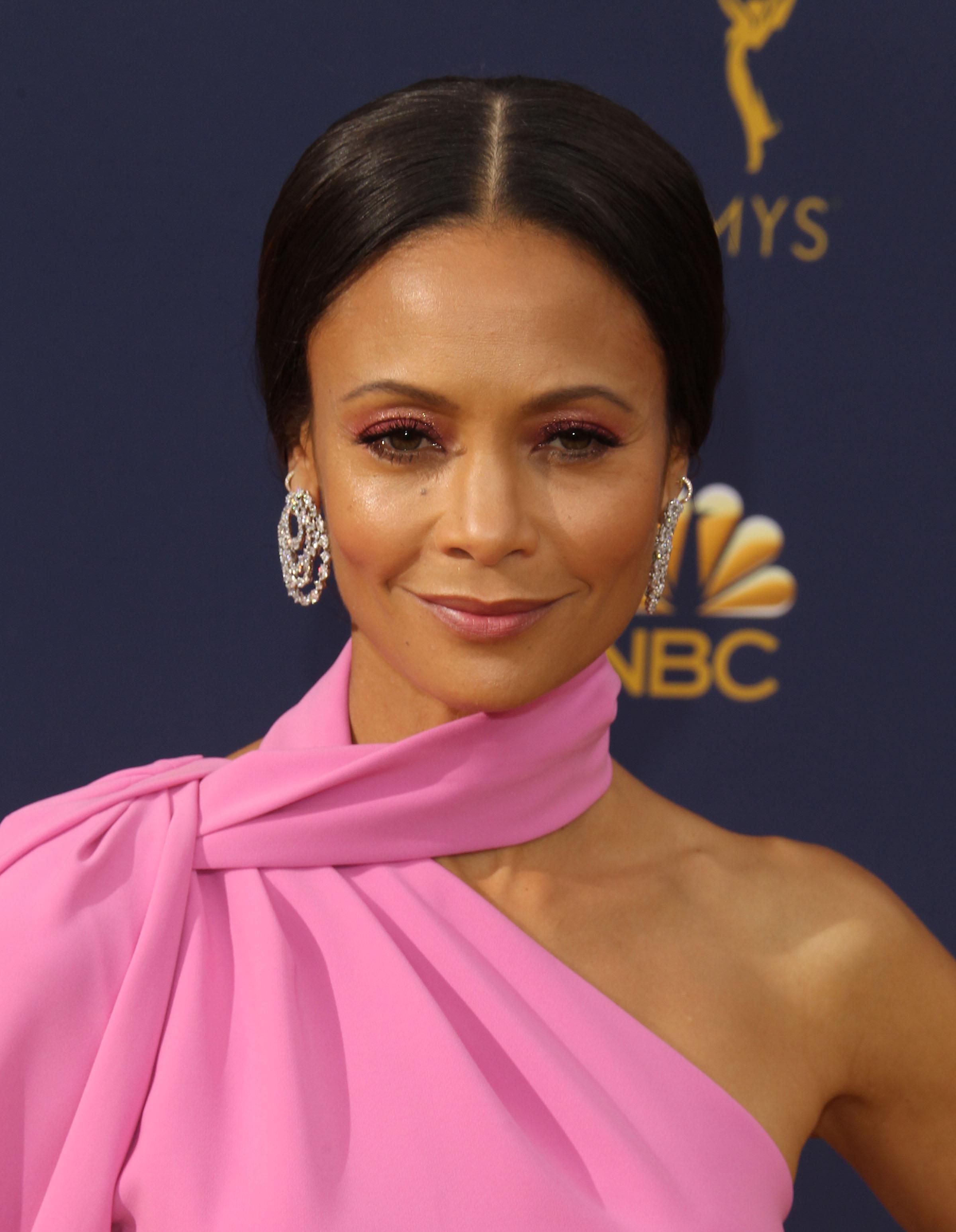 Αυτό είναι το μεγαλύτερο makeup trend που είδαμε στα Emmy!