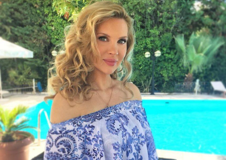 Η Χριστίνα Αλούπη αποχαιρετά την Ελλάδα με την πιο γλυκιά φωτογραφία!   tlife.gr