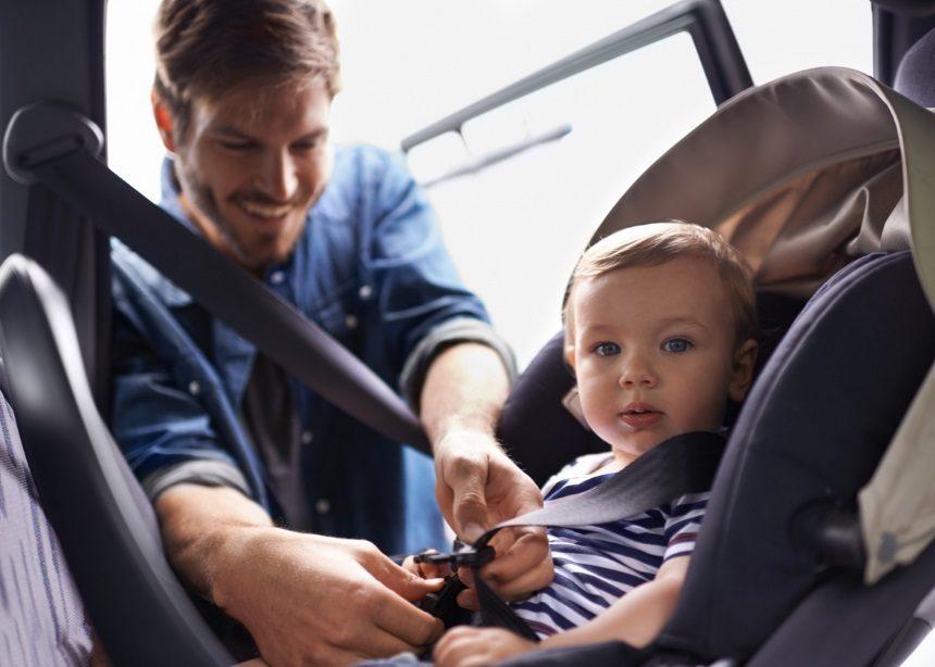 Παιδί στο αυτοκίνητο: Νέοι κανόνες ασφαλείας για τα παιδικά καθίσματα αυτοκινήτου | tlife.gr