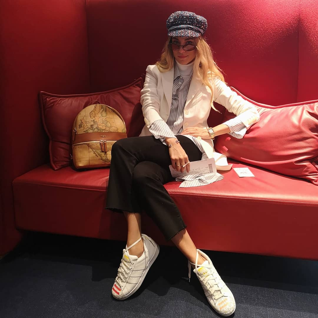 Δούκισσα Νομικού: Με παριζιάνικο look, φεύγει για το fashion show στη Γαλλία! [pics] | tlife.gr