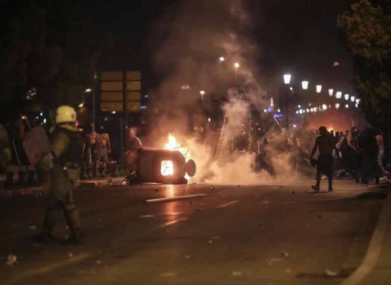 Επεισόδια στη Θεσσαλονίκη: Αναζητούνται τρεις άνδρες των ΜΑΤ και ο διοικητής τους, στο πλαίσιο του αυτοφώρου για την επίθεση σε δημοσιογράφο! | tlife.gr