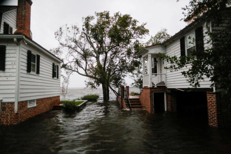 Βόρεια Καρολίνα: Τρομακτικές προβλέψεις για τον κυκλώνα Φλορενς – «Θα ξεχειλίσουν όλα τα ποτάμια, κανείς είναι ασφαλής» – video | tlife.gr