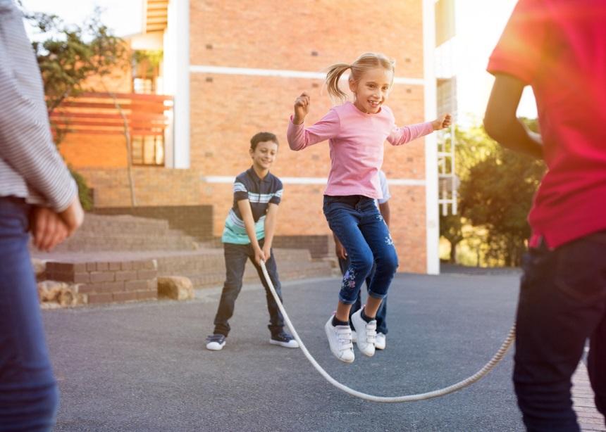 Work it Out: Έξι κινήσεις που θα εμπνεύσουν το μικρό σου να βάλει την άσκηση στην ζωή του | tlife.gr