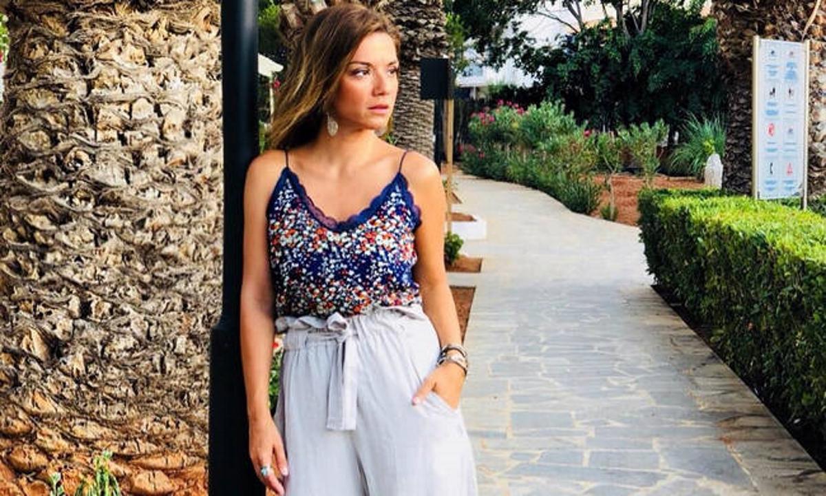 Βάσω Λασκαράκη – Λευτέρης Σουλτάτος: Ποζάρουν αγκαλιά σε βόλτα με τους φίλους τους! | tlife.gr