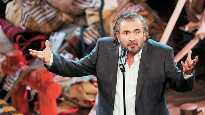 Ο Λάκης Λαζόπουλος ετοιμάζει το δικό του σατιρικό αντι – δελτίο! | tlife.gr