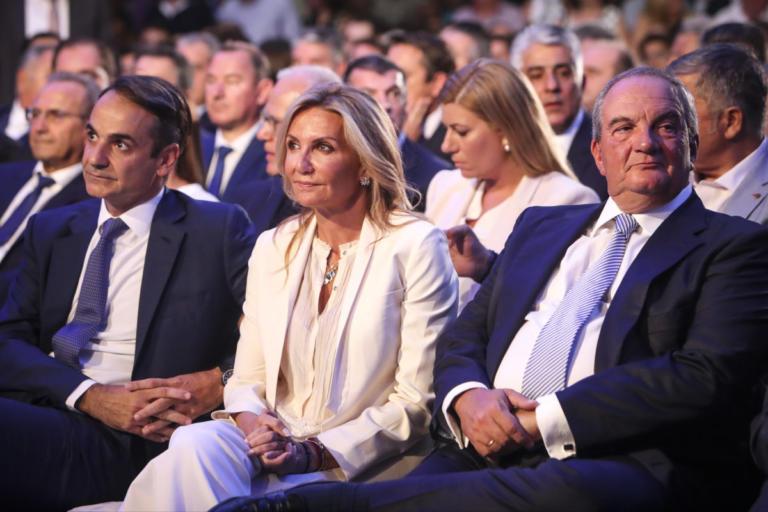 ΔΕΘ 2018: «Έλαμψε» στα ολόλευκα η Μαρέβα Μητσοτάκη – Δίπλα – δίπλα με τον Κωνσταντίνο Καραμανλή [pics] | tlife.gr