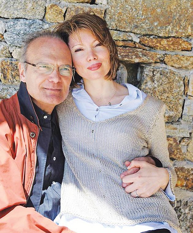 Συγκλονίζουν τα λόγια της συζύγου του Αλέξανδρου Βέλλιου 2 χρόνια μετά τον θάνατό του | tlife.gr