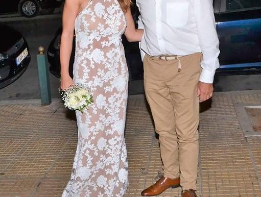 Παντρεύτηκε θαυμάστριά του γνωστός Έλληνας τραγουδιστής! Φωτογραφίες | tlife.gr