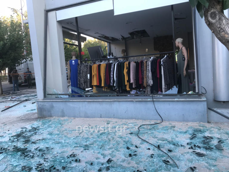 Η στιγμή της έκρηξης στον Βύρωνα – Πως οι δράστες διέλυσαν το κατάστημα για να διαρρήξουν το ΑΤΜ – video | tlife.gr