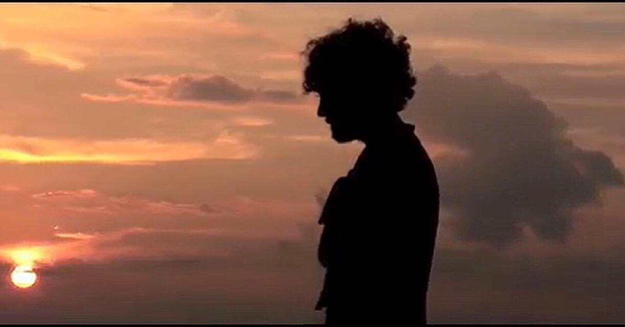 Άλεξ Καββαδίας: Κυκλοφόρησε το νέο του τραγούδι, λίγο πριν φύγει για το Nomads! video | tlife.gr