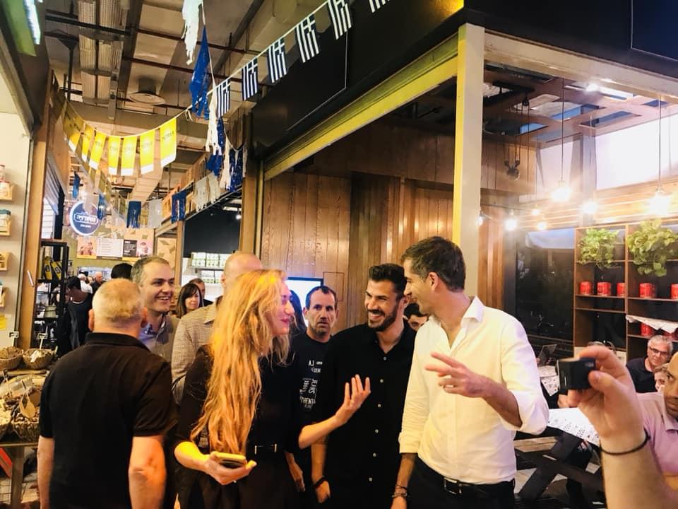Κώστας Μπακογιάννης – Άκης Πετρετζίκης: Η αναπάντεχη συνάντηση στο Ισραήλ | tlife.gr
