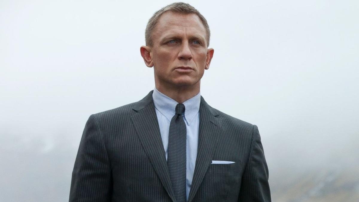 Αγνώριστος ο Daniel Craig έξι εβδομάδες μετά τον ερχομό της κόρης του! Φωτογραφίες