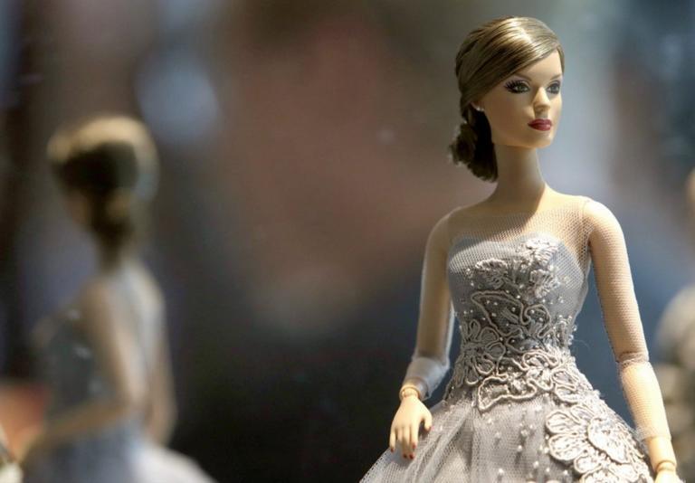 Ο οίκος μόδας που υποκλίθηκε στην Barbie | tlife.gr