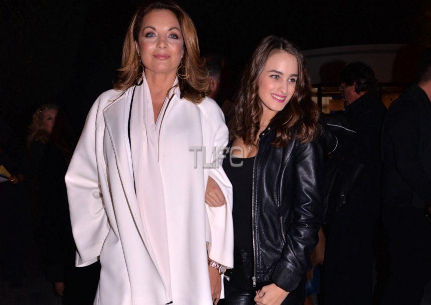 Τόλης Βοσκόπουλος: Τραγούδησε στο Ηρώδειο με την Άντζελα Γκερέκου και την κόρη τους στο πλευρό του! | tlife.gr