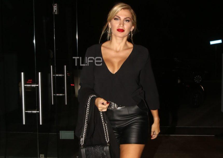 Κωνσταντίνα Σπυροπούλου: Έξοδος με total black look κι εντυπωσιακό μπούστο! [pics] | tlife.gr