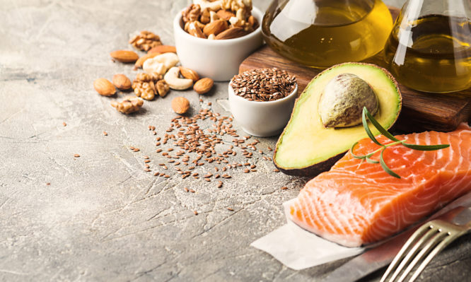 Ποια λιπαρά ΔΕΝ προσθέτουν κιλά και προστατεύουν από καρδιακά και διαβήτη   tlife.gr